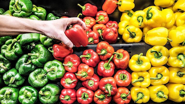 Många val att göra vid grönsaksdisken.