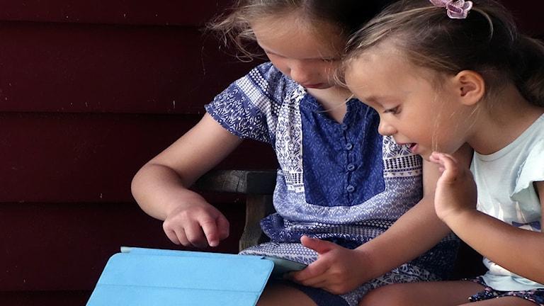 Små barn tittar alltmer på nätet