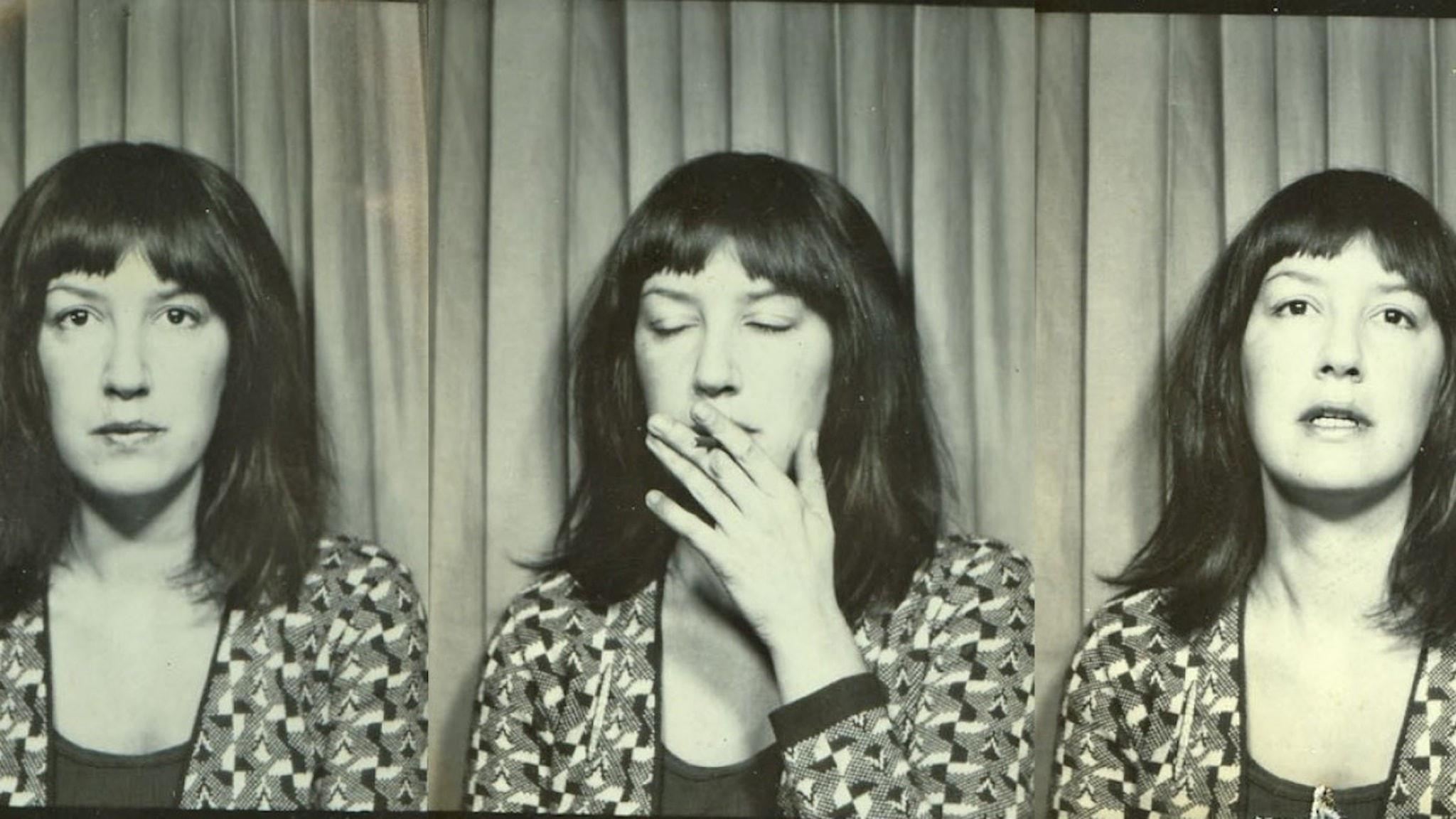 Eve Babitz i fotoautomat. Foto: Mirandi Babitz Collection