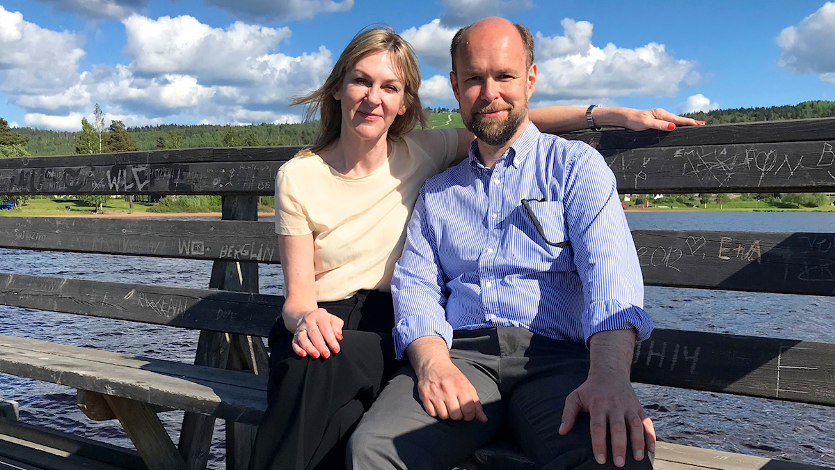 Susanne Ljung och Lars Nilsson vid Siljans strand i Rättvik.