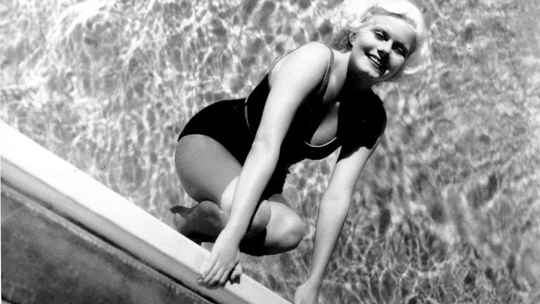 Jean Harlow – världens första, och roligaste, blonda bombnedslag
