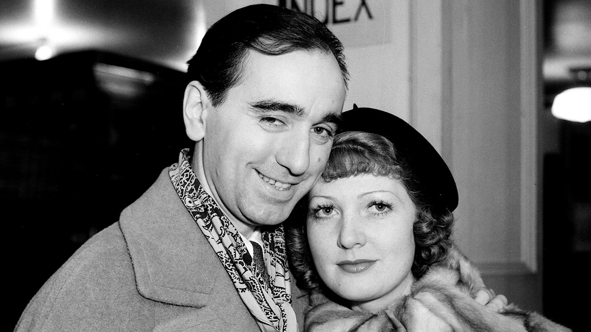 Busby Berkeley tillsammans med skådespelerskan Myrna Kennedy i februari 1934.