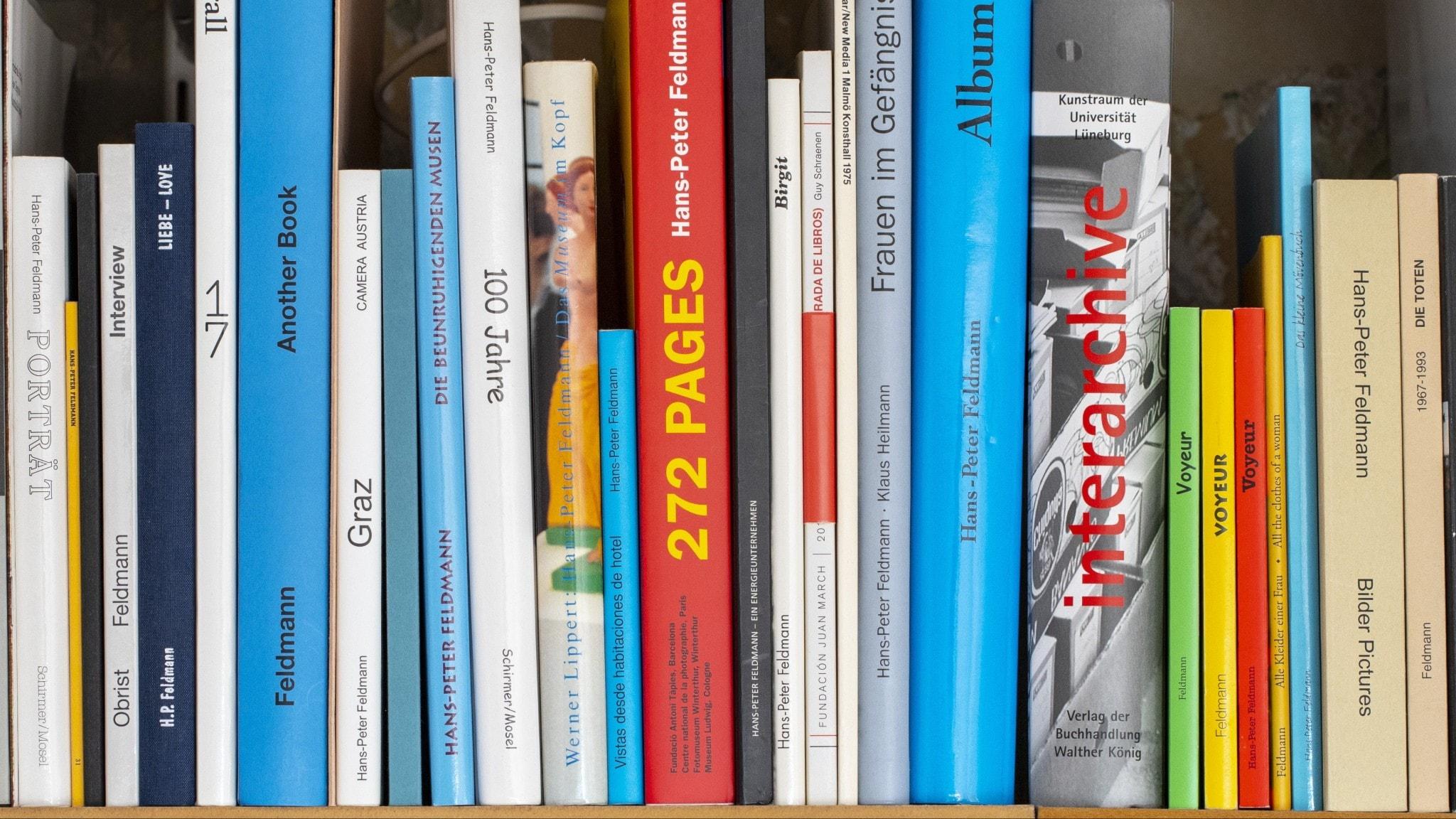 Boken som moderiktig accessoar – en nygammal trend