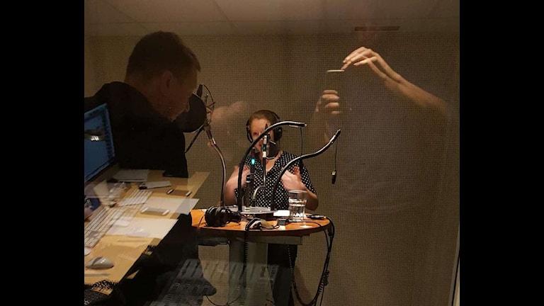 Therese Rosenvinge intervjuar Björn Löfdahl om rapporteringen från dåden i Paris.
