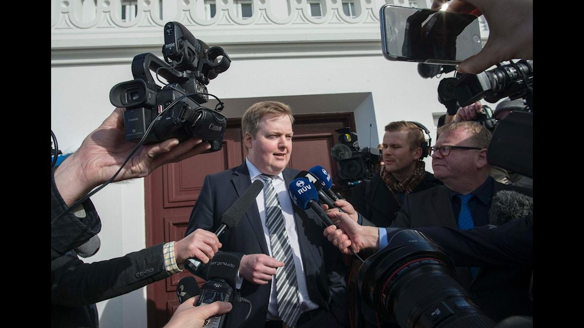 Islands före detta premiärminister under press