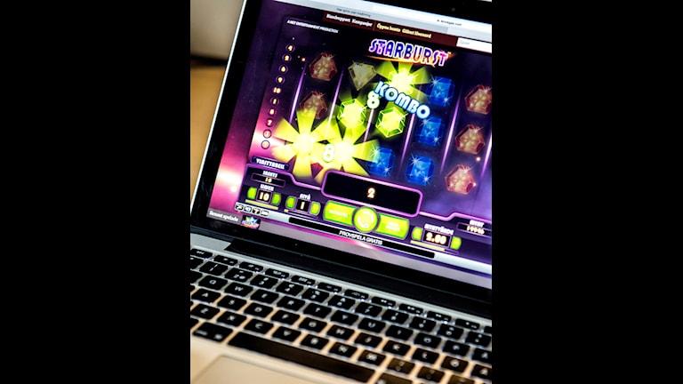 Bild på datorskärm med spel