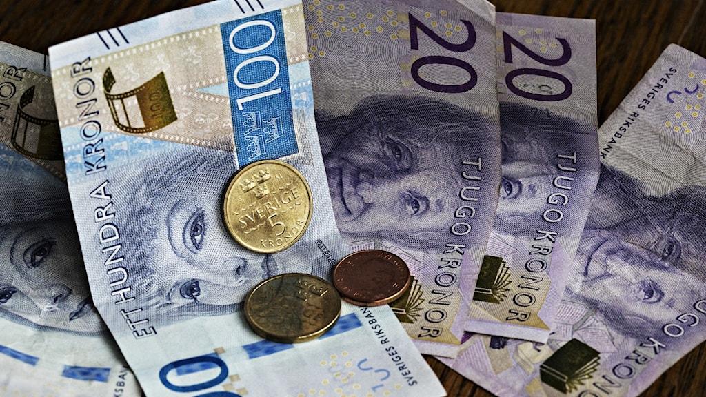 I veckan stod det klart att hela 217 svenska tidningar får dela på dom 150 miljoner som regeringen skjutit till som krisstöd med anledning av Corona.