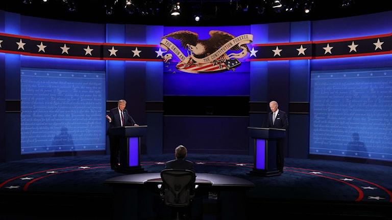 Debattmoderatorn Chris Wallace har fått kritik efter veckans uppmärksammade och kaotiska debatt mellan presidentkandidaterna i USA.