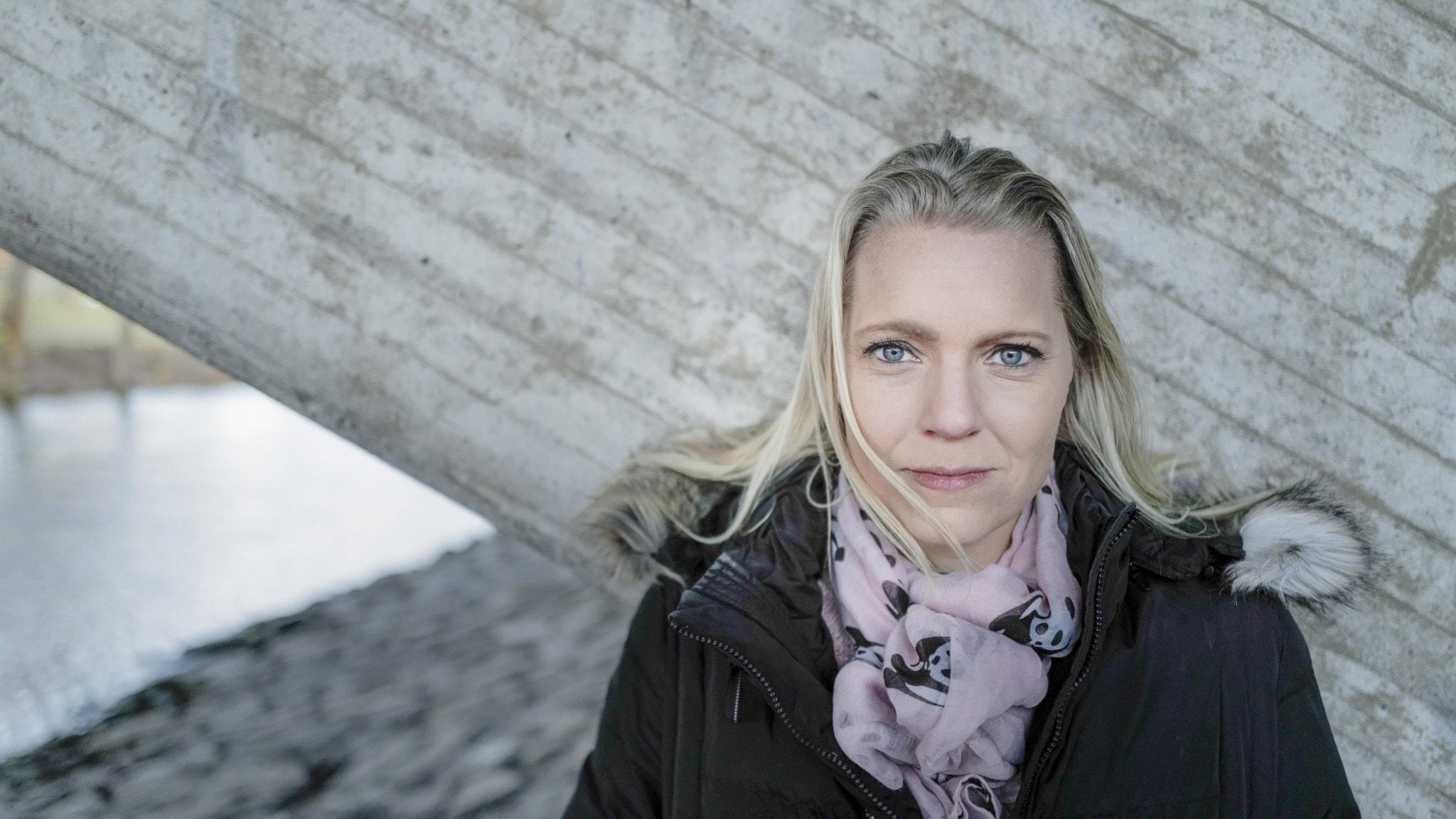 Carina Bergfeldt talar ut, SR bröt mot källskyddet om bombhot och journalistik under talibanernas styre