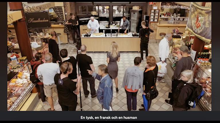 """""""En tysk, en fransk och en husman"""" är SVT:s senaste matlagningsserie."""