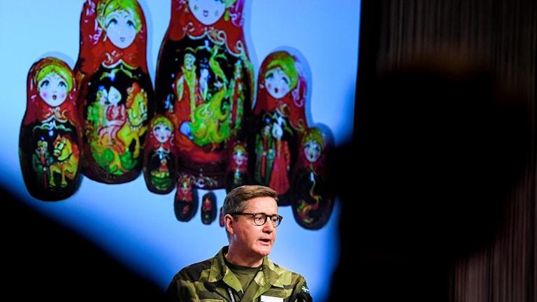 Gunnar Karlson, chef för MUST talar på Folk och Försvar.