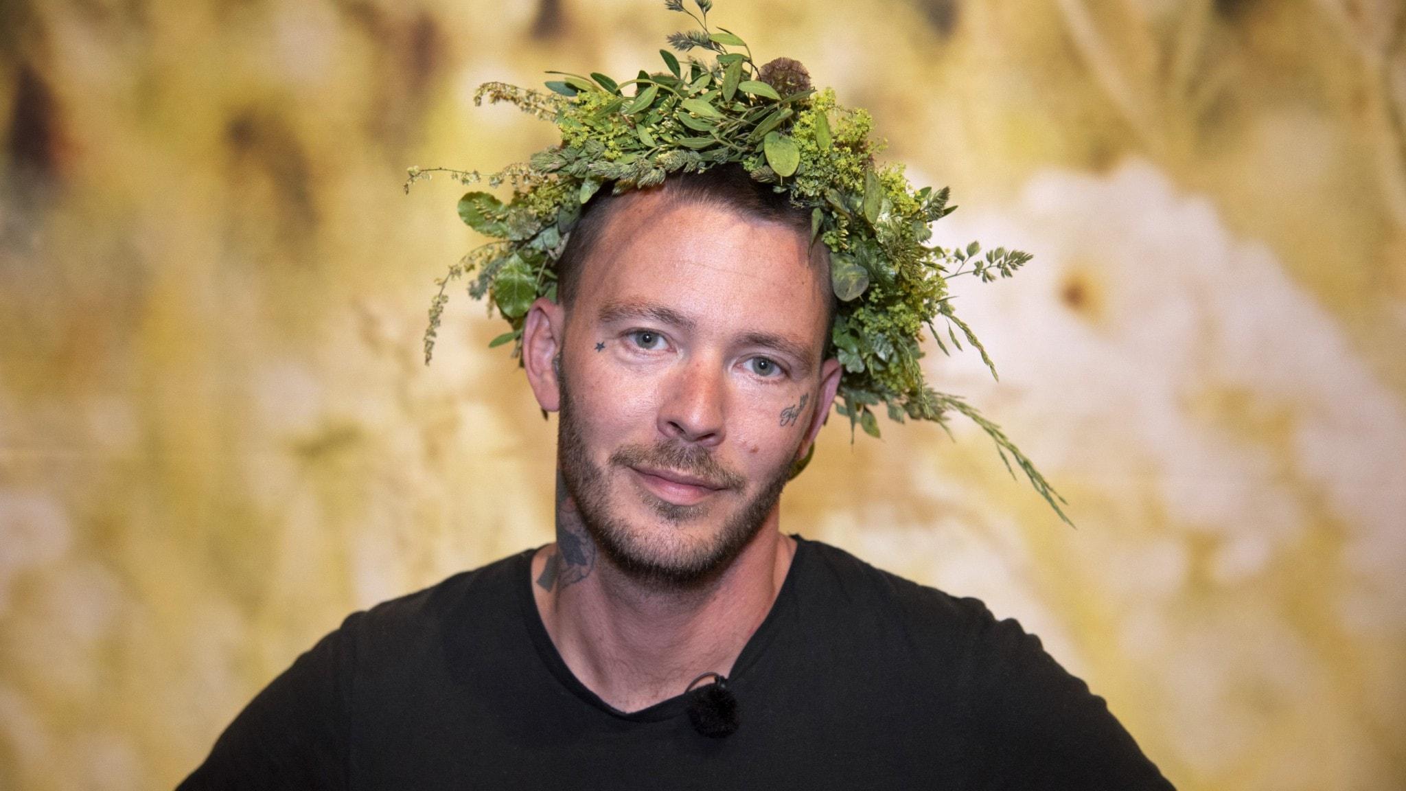 Förtalsutredning efter bråk med Sveriges största youtubers, Marcus Oscarssons mediekritik får kritik, SvD backar efter felaktig ubåtsrubrik