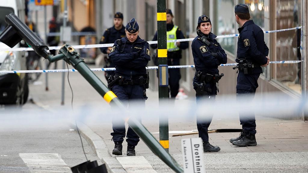 Stor förvirring timmarna efter terrordådet på Drottninggatan