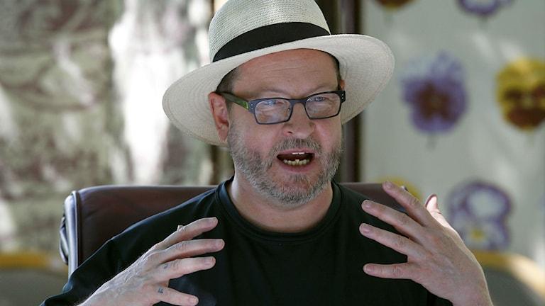 Lars von Trier blir av med sin mångårige producent.
