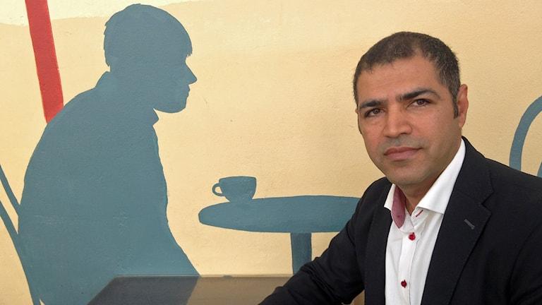 Masoud Dehvari, jurist på Hyresgästföreningen.Foto: Christy Chamy/Sveriges Radio.