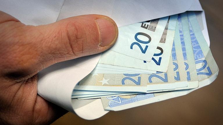 Eurosedlar i ett kuvert. Foto: Stefan Gustavsson /TT.