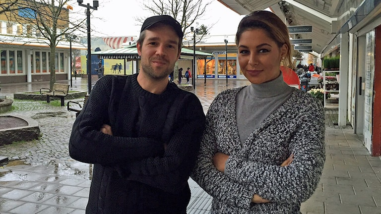 Rasmus Almerud och Claudia Karlsson. Foto: Sveriges Radio.
