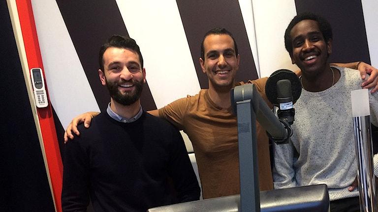 Ayass Hawa, Gurgin Bakircioglu och Ali Ahmed. Foto: Rouzbeh Djalaie/Sveriges Radio.