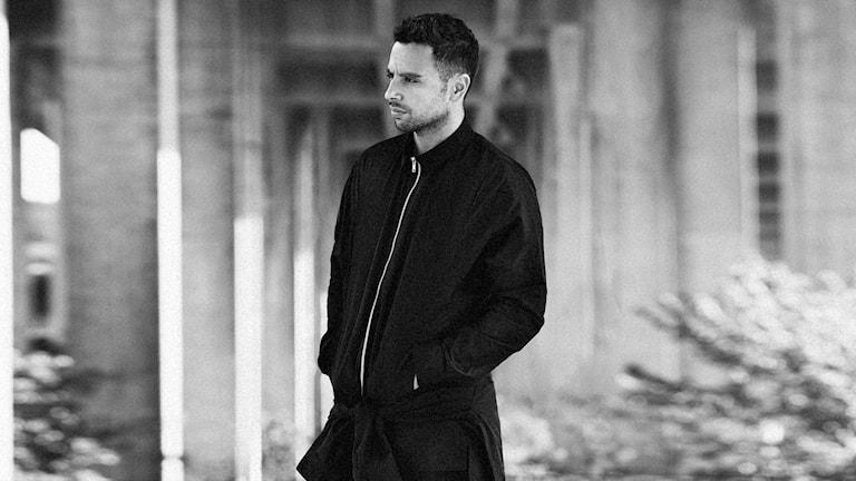 Artisten och låtskrivaren Damian Ardestani, mer känd som XOV. Foto: Press.
