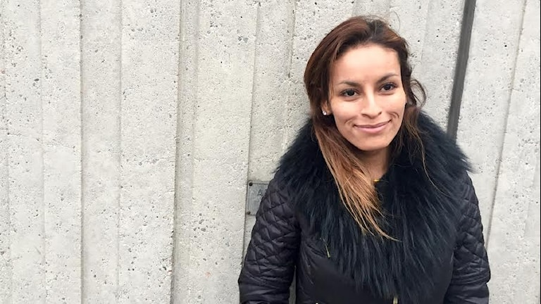 Paula Manrique berättar om appen Jodel. Foto: Athena Afshari / Sveriges Radio.