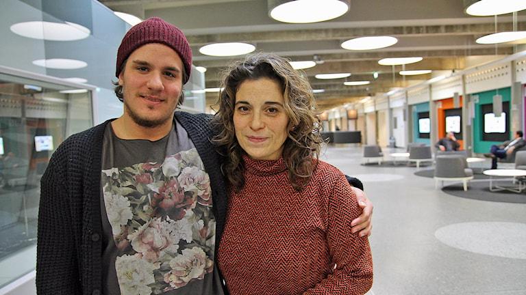Karim Aamer och Pernilla Vera. Foto: Sveriges Radio.