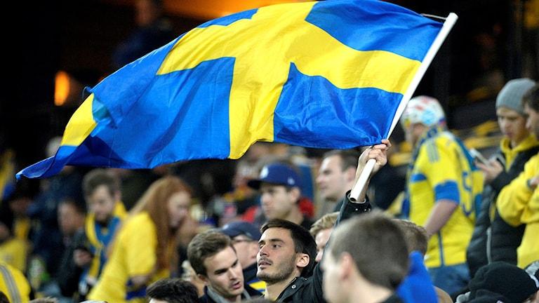 Svenska fans innan EM-kvalmatch i fotboll mellan Sverige och Danmark november 2015.