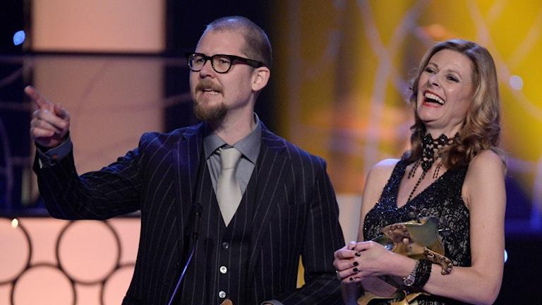 """Eva von Bahr och Love Larson fick en guldbagge för Bästa smink i """"En man som heter Ove""""."""