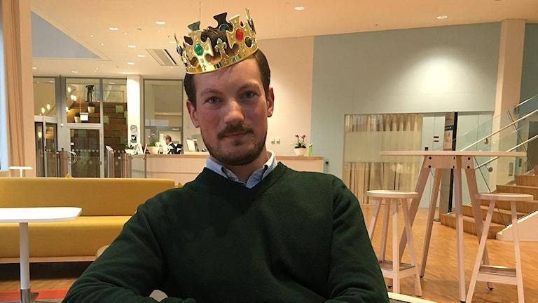 Oscar Carl Olof Blomdahl med kungakrona.