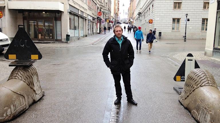 Max Valentin arbetar med gatumusiker. Foto: Tom Hansen/Sveriges Radio