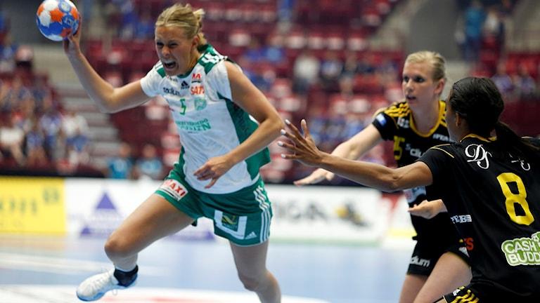 Skurus Johanna Westberg i damhandbollsfinalen Sävehof-Skuru i Malmö Arena.