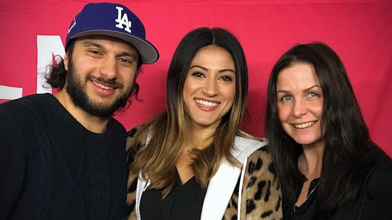 Nikki Amini tillsammans med Farzad Nouri och Titti Schultz.