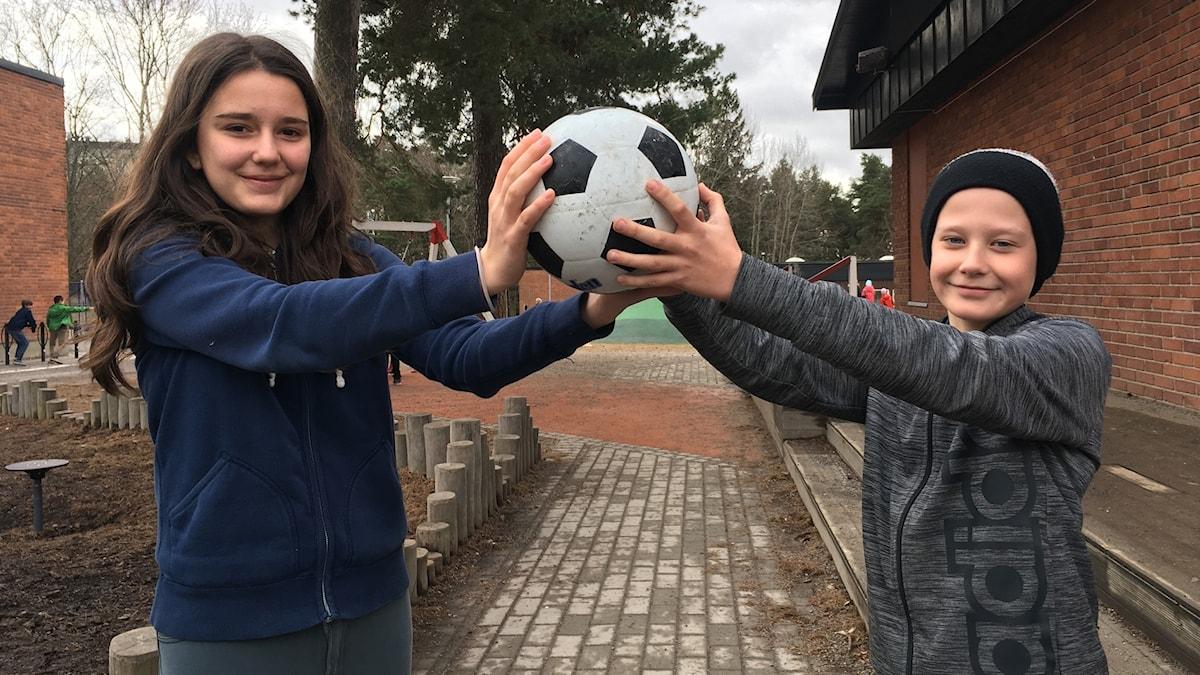 11-åriga Teodora Antovic och Elias Stenlund.