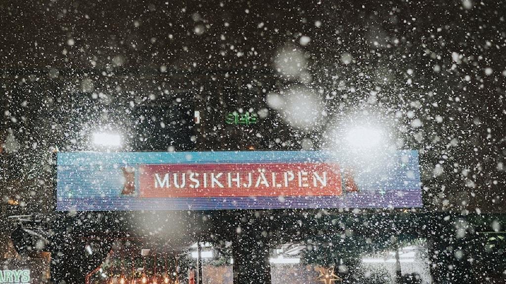 Det snöade när Musikhjälpen drog igång i Västerås 2019