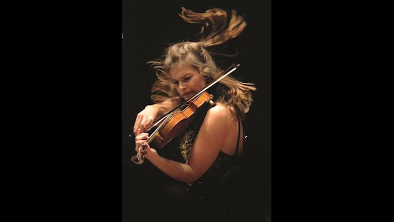 Violinist Janine Jansen. Foto: Arne Hyckenberg