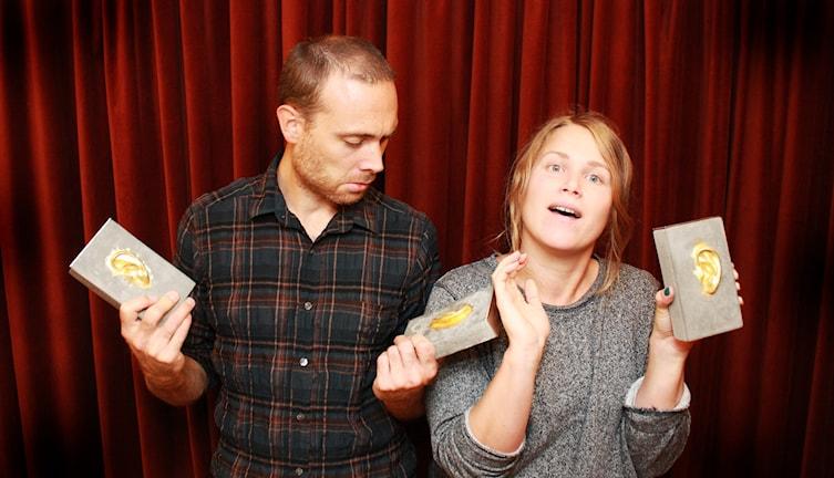 Jesper Rönndahl och Karin Gyllenklev har fått Stora Radiopriset tre gånger för Institutet.