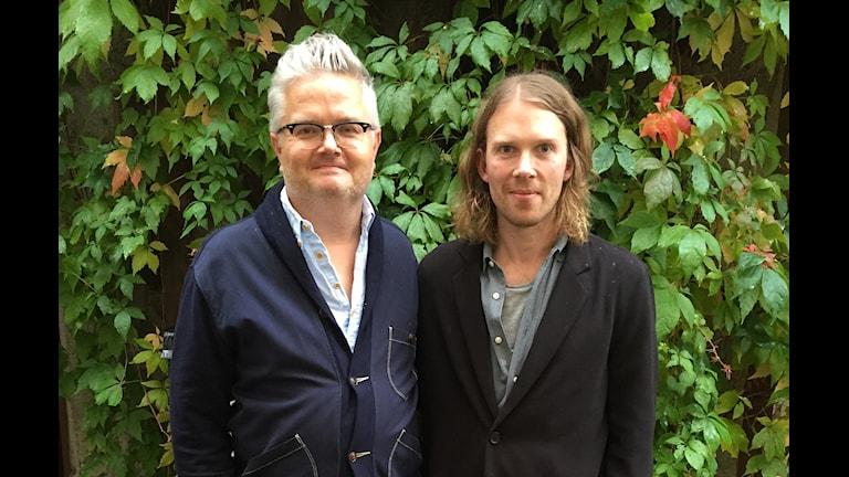 Pressbild: Jan Gradvall och Peder Stenberg. Foto: Lovisa Ohlson/Sveriges Radio