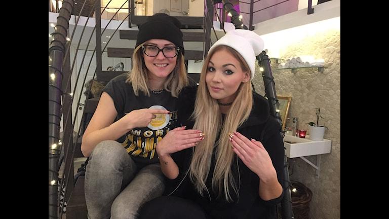 """Celina Rydén och Michaela """"Keela"""" Nilsson. Foto: Clara Lowden"""
