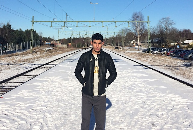 Aziz längtar efter att känna sig svensk på riktigt. Foto: Martina Pierrou