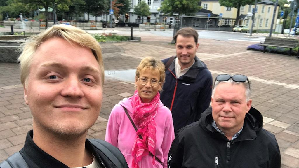 Här är gänget som håller i P4 Östergötlands pop-up-redaktioner i höst, fr v Oliver Beckman, Raina Medelius, Petter Ahnoff och Peter Weyde. Första tillfälliga redaktionen öppnar i Åtvidaberg 17 september, senare i höst väntar Finspång och Boxholm.