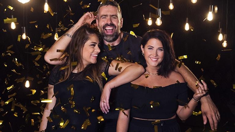 Farah Abadi, Kalle Zackarie Wahlström och Molly Sandén leder Musikhjälpen 2017 från Umeå med start 11 december. Foto: Stina Stjernkvist/SVT