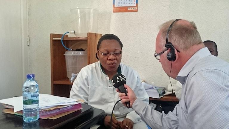 P4 Stockholms Lasse Persson möter läkaren Nenne Rukunghu i Bukavu i Kongo