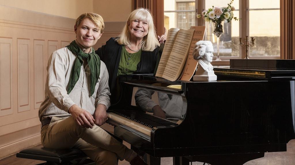 Jack Lantz och Bodil Asketorp. Foto: Mattias Ahlm/Sveriges Radio