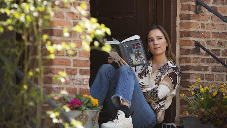 Victoria Dyrstad läser Barnradions sommarserie baserad på Jakten på Jack.