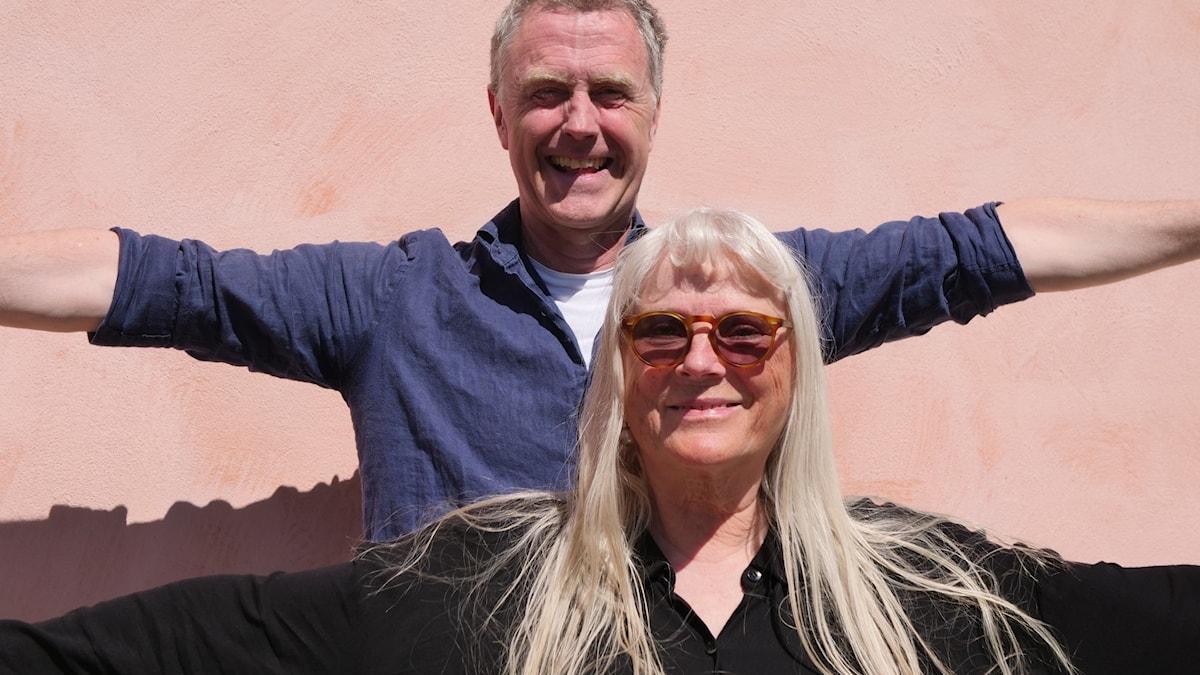Ulla Skoog och Stephan Fickler i serien Husesyn med Ulla Skoog