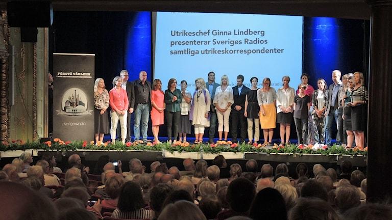 Radiokorrespondenterna på Södra teatern 2015. Foto: Nils LIndström/Sveriges Radio.