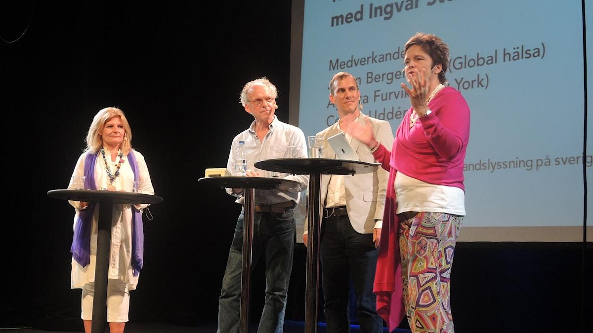 Cecilia Uddén, Ingvar Storm, Johan Bergendorff och Agneta Furuvik på Stora scenen på Södra teatern i Stockholm. Foto: Arna Sunje/Sveriges radio