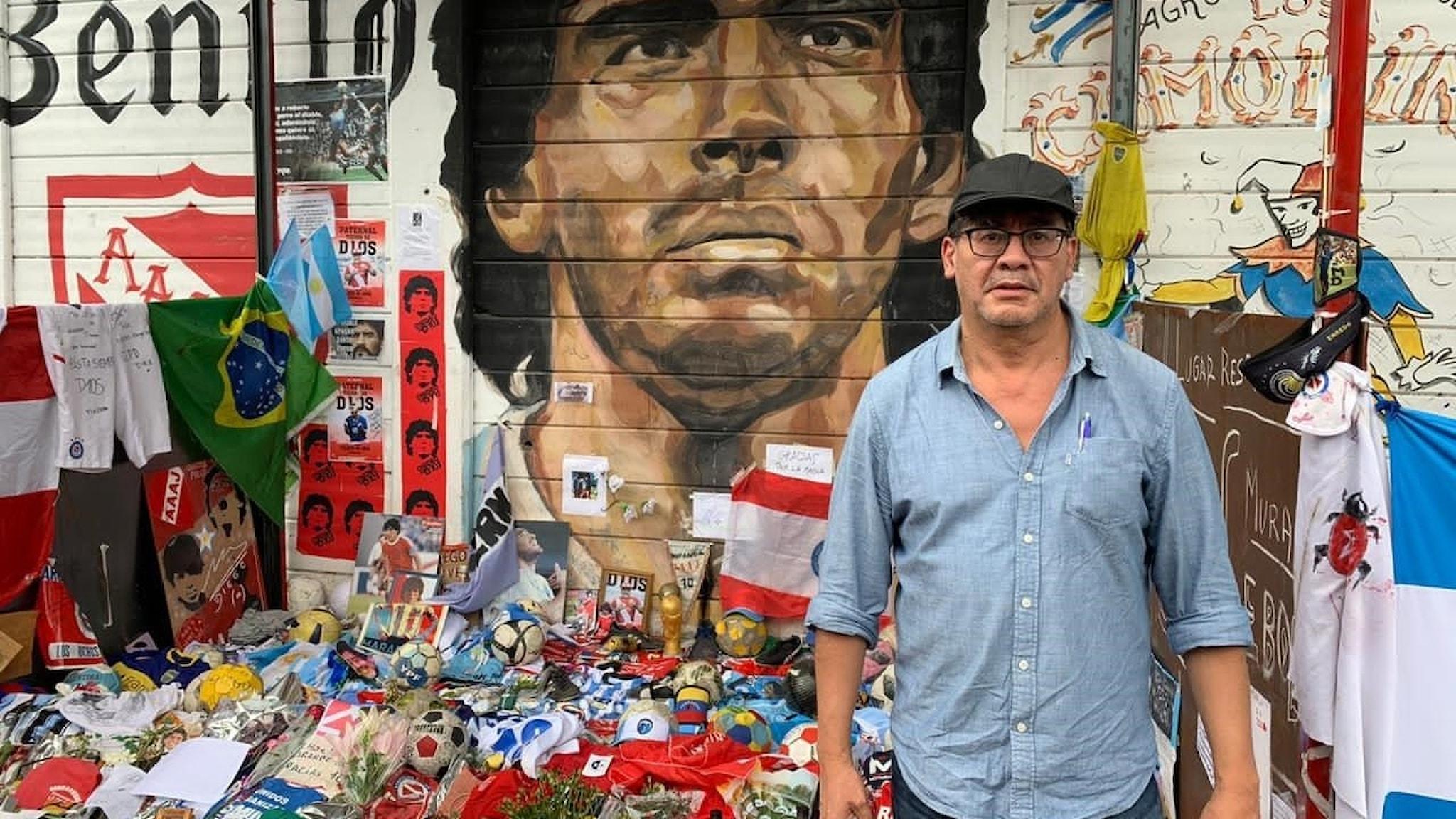 Ivan Garcia utanför Argentina Juniors arena i Buenps Aires.