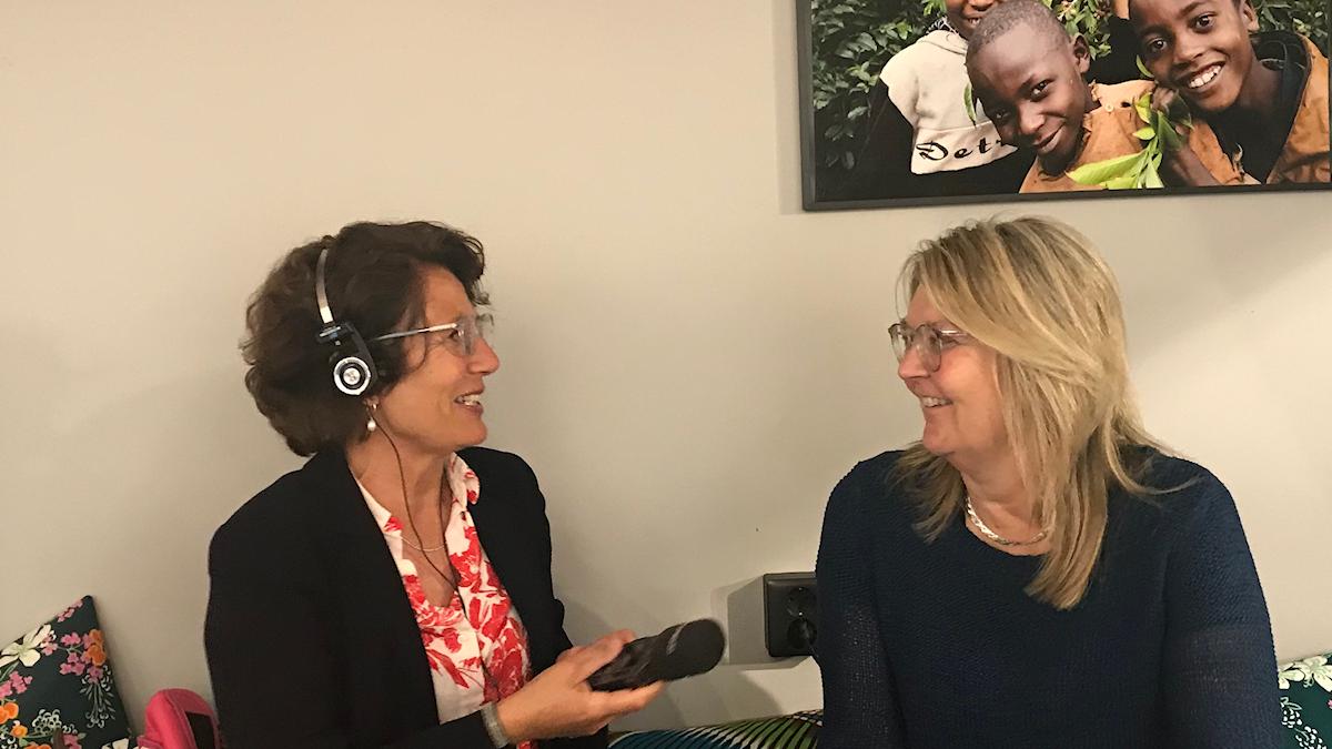 SR:s migrationskorrespondent Alice Petrén i samtal med EU-experten Ylva Nilsson