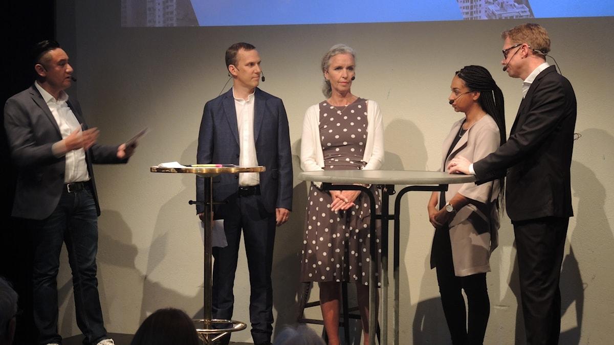 Pablo Dalence leder föreläsning om Fake news med Inger Arenander, Johan Bergendorff, Jan Andersson och Palmira Koukkari Mbenga