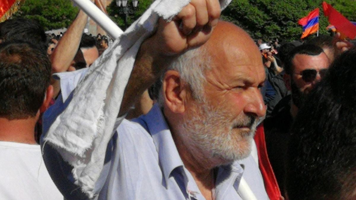 En dansande protest i Jerevan.